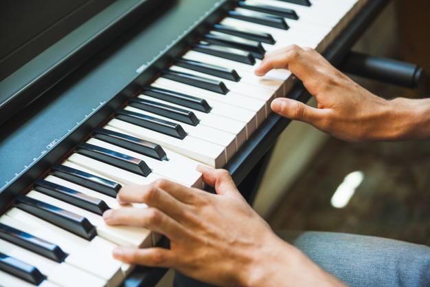 Selitev klavirja kot ugodna in kakovostna storitev na spletu