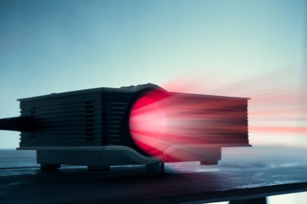Mini projektor je odgovor na željo po visoki kvaliteti slike in prenosljivosti