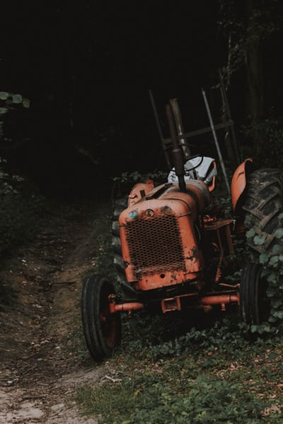 Rezervni deli za traktorje so sestavni del ponudbe pooblaščenih prodajalcev
