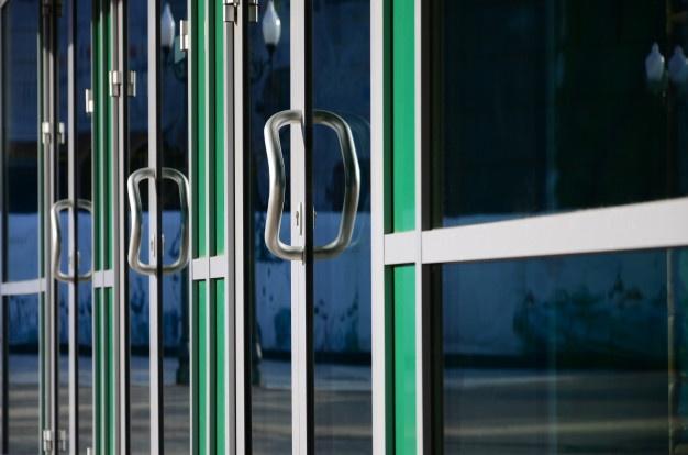 Servis avtomatskih vrat je na voljo štiriindvajset ur na teden