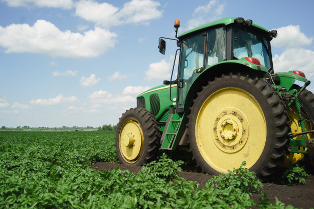 Obračalniki za hitrejše in enakomernejše sušenje krme