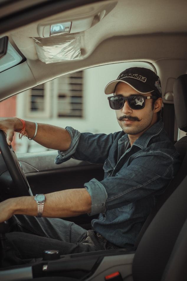 Voznik začetnik nezavedno naredi ogromno napak