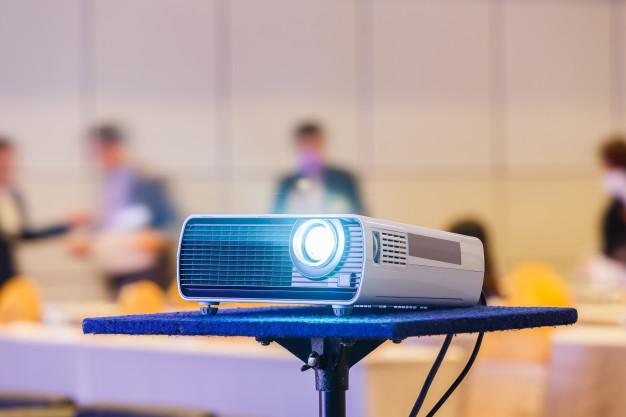 Dolgoročna uporaba projektorja