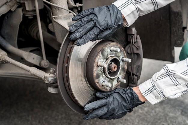 Vzdrževanje zavornega sistema in drugih ključnih delov avtomobila